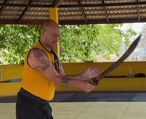 Tan Tow – How to fight with a Tan Tow